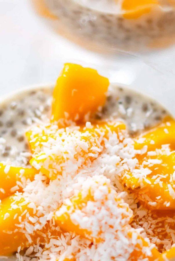 Chia Pudding à la mangue et à la noix de coco