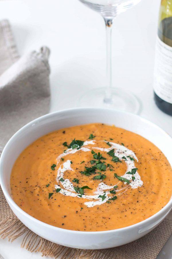 Soupe de patates douces et de poivrons rouges